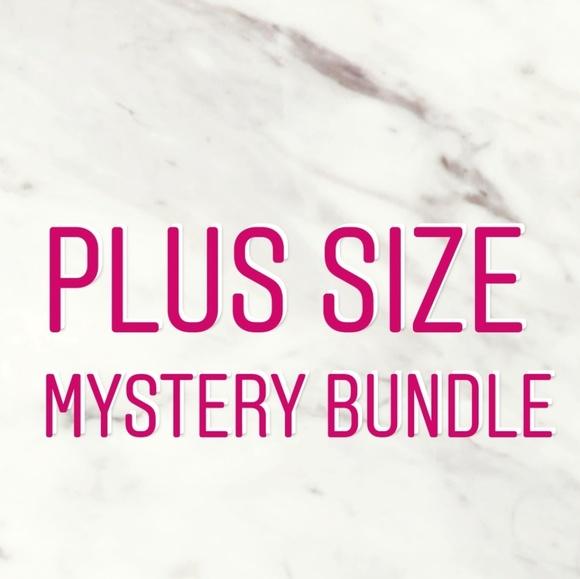 Plus size mystery bundle (5 pieces)